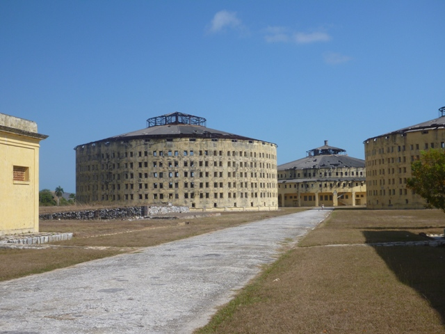 the main prison had 4 buildings holding approx 1000 prisoners per building