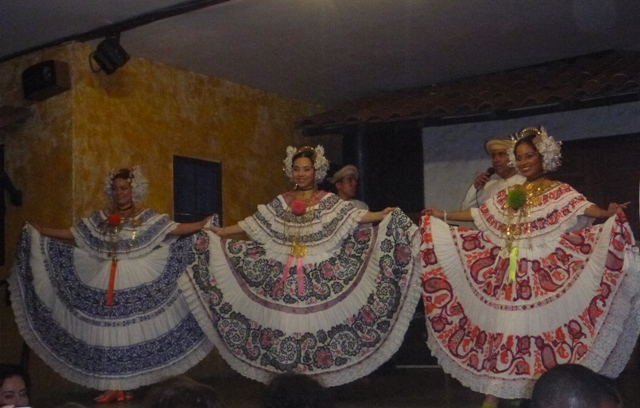 The dancers at Las Tinajas restaurant